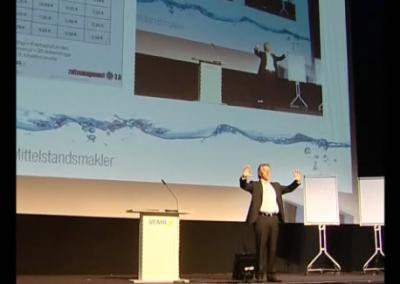 Momentaufnahme von Martin Geiger bei einem Vortrag