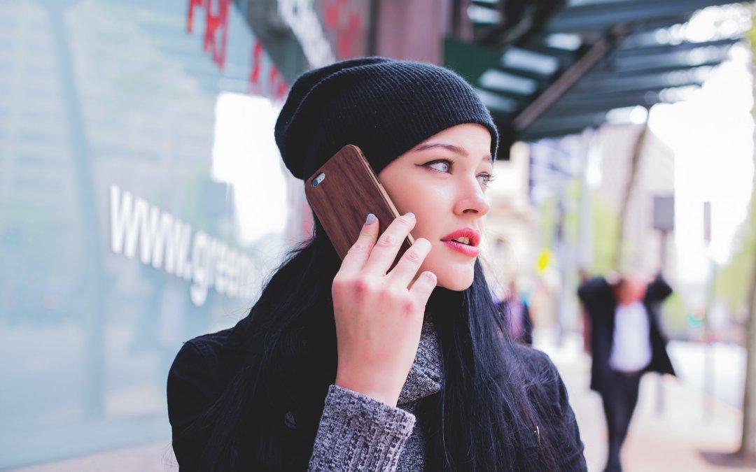 Den verschwommenen Rand rings um das Smartphone-Display nennt man übrigens Leben